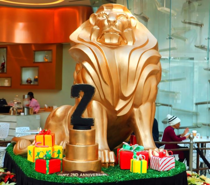 Chocolate lion made to celebrate the resort's second anniversary (Credit: Bill Rockwell)